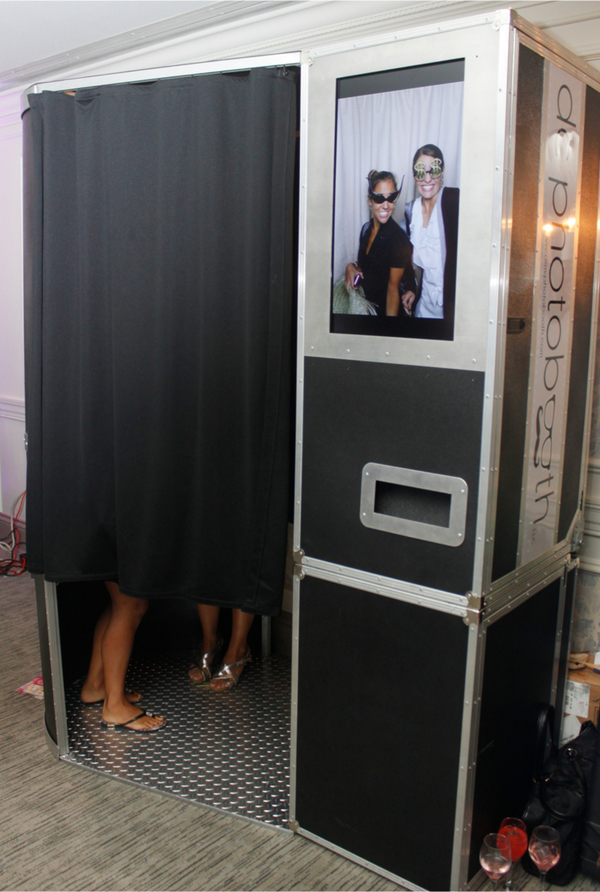 The Bulb Booth - Enclosed Photobooth from DC Photobooth
